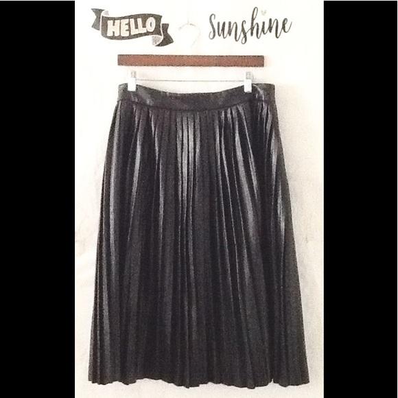 dd6340062a4 Eloquii Dresses   Skirts - Eloquii Studio Black Vegan Pleated Leather Skirt